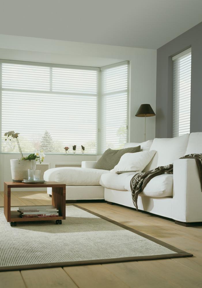 luxaflex silohuette blind white closed